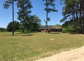 Brick house on 12 acres with great hunting in Hazelhurst, GA