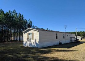 Mobile home, barns, timber, hay, and great hunting in Dooly County at 975 GA Highway 27 for 415000.0000